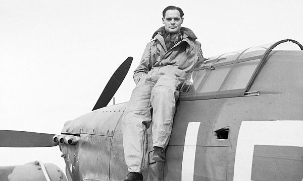 Tally Ho! Douglas Bader is coming